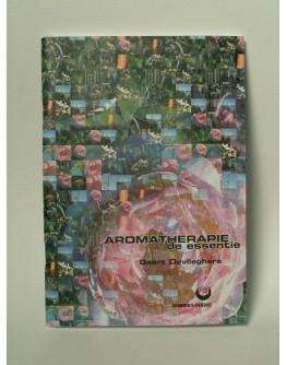 Boek Aromatherapie de essentie Geert Devlieghere